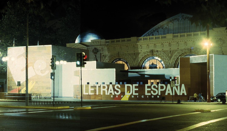 """Montaje de la exposición """"Letras de España"""""""