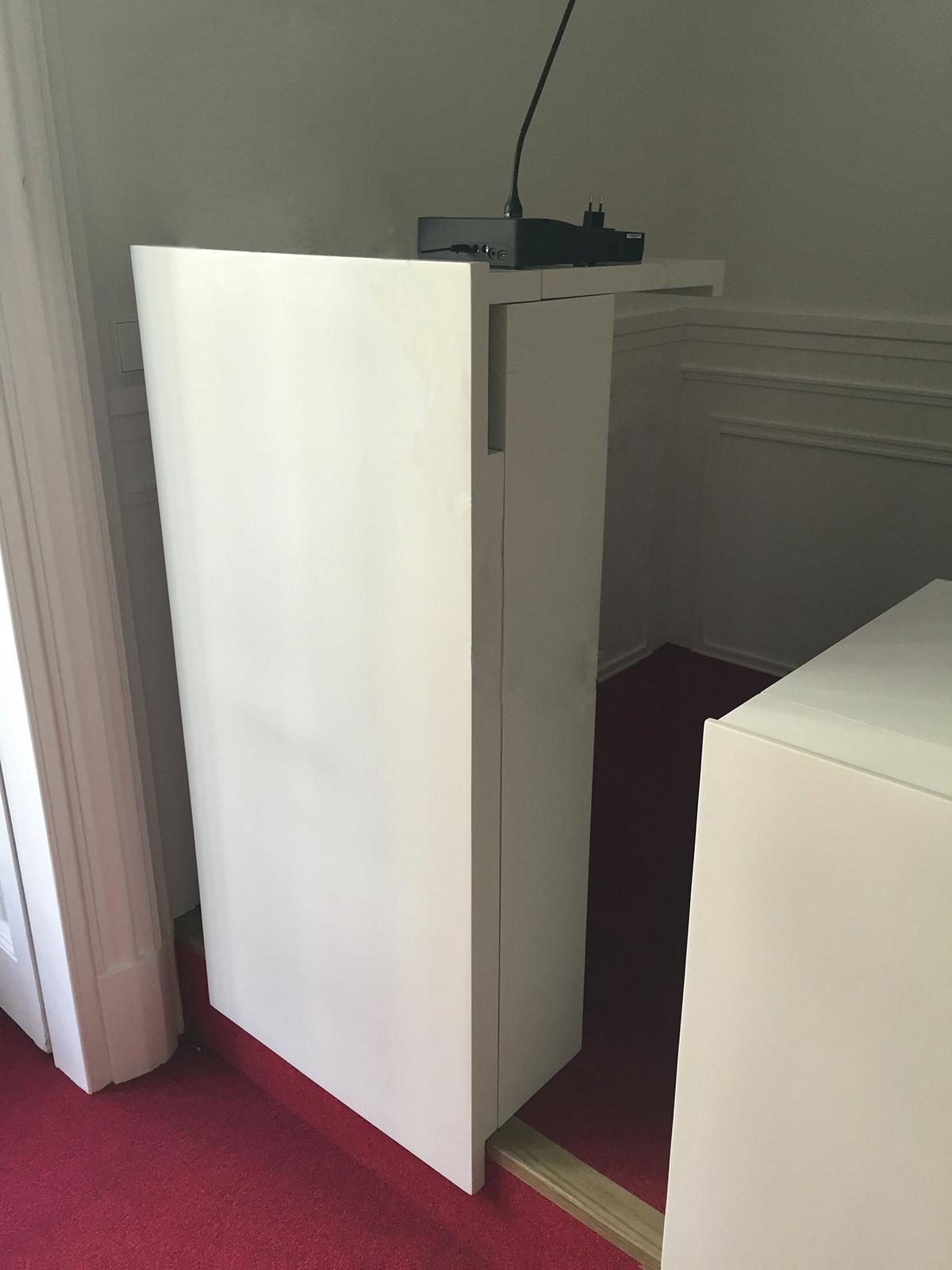 Mesas y atril FMAP