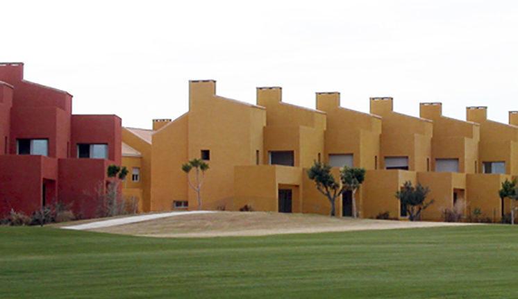 136 viviendas adosadas