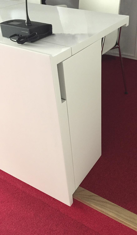 Mesas y atril FMAP | Imagen de proyecto2